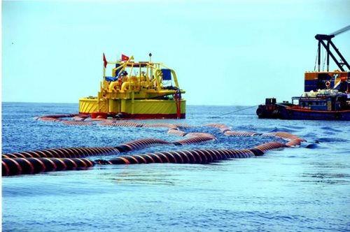 Hình ảnh sự cố tràn dầu trên biển