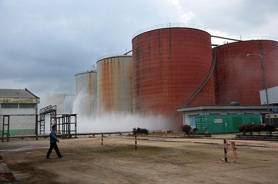 Tràn dầu tại nhà máy cồn